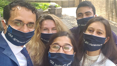 Group photo of psychiatry residents with blue masks